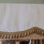 12-Scalloped Valance