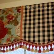 22-Scalloped Valance