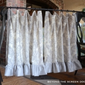47-Cafe Curtain With Ruffled Hem