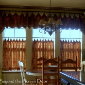 28-Kitchen Cafe Curtain and Valance