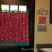 19-Colorful Laundry Room Curtains