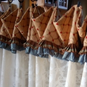 16-Cuffed Cafe Curtain