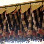 17-Buffalo Check Valance with Toile