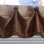 21-Valance and Medallions