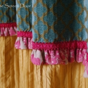 15-ruffle-and-trim-detail-on-office-curtains