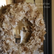 10-Shaggy Fabric Wreath