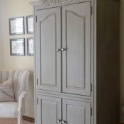 10A-Dixie-Bell-Paint-Armoire