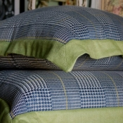 29C-Pillows with Contrasting Flange