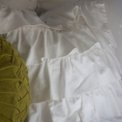22D-ruffled-pillow