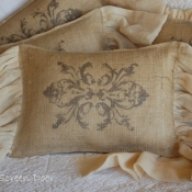 22E-Stenciled Burlap with Ruffles