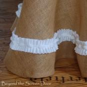24A-burlap-table-skirt-5