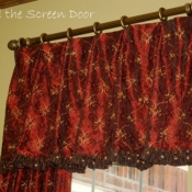 14-Valance with Ruffles & Trim
