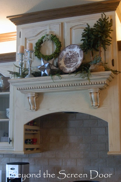 Our Christmas Home Tour ~ Kitchen & Dining Room