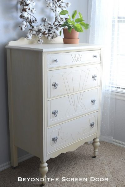 New Paint Update for a Vintage Chest of Drawers