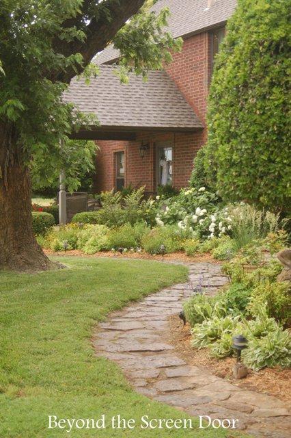 Farmhouse Garden (2)