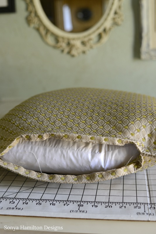 how to make a quick and easy flange pillow