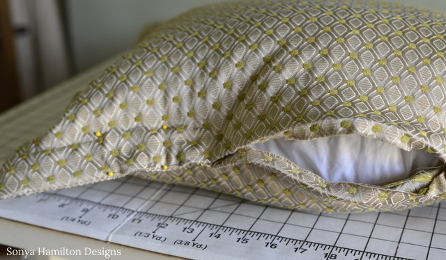 quick and easy flange pillow tutorial