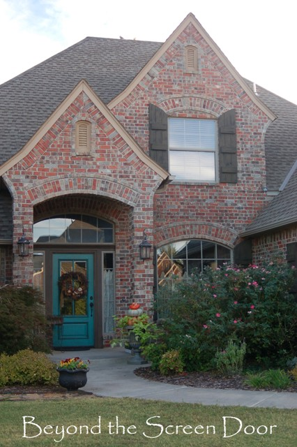 Painting exterior shutters sonya hamilton designs for Brick houses without shutters