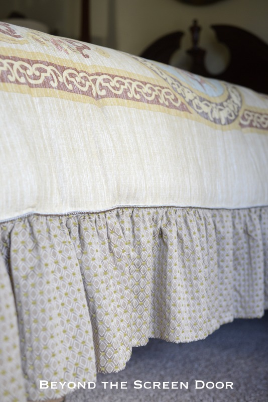 How to Add a Ruffle to a Ready Made Comforter 23