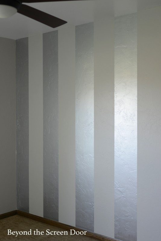Painting Gold & Silver Metallic Stripes