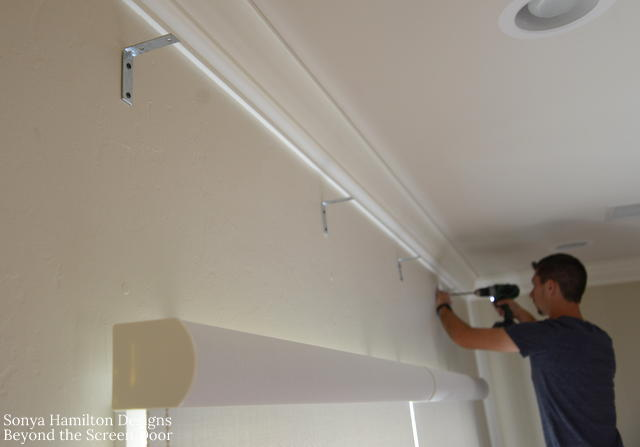 installation-board-mounted-scalloped-valance-1