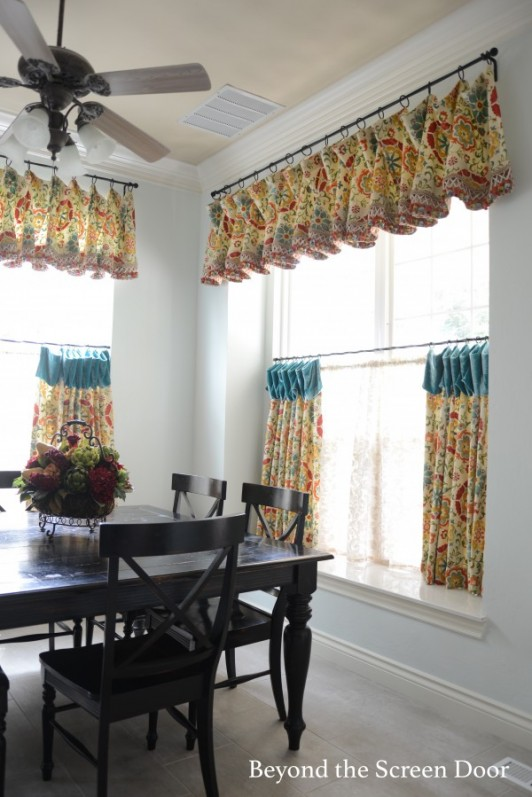 Kitchen Cafe Curtains & Valance