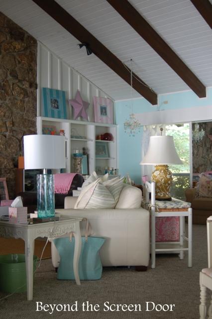 Lake House Living Spaces (10)