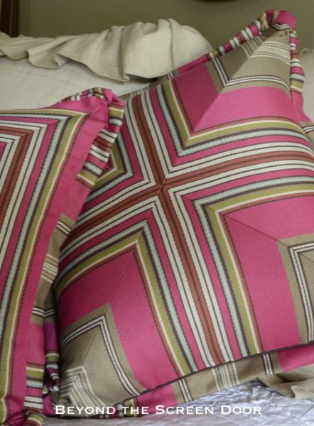 Pillow Tutorial Playing with Stripes