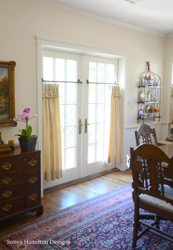 The Best Cafe Curtain For A Traditional Dining Room