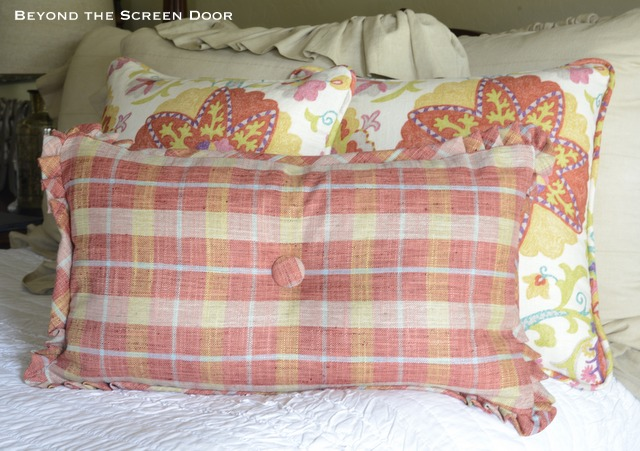 Pillow Tutorial with Pleated Corner Flange