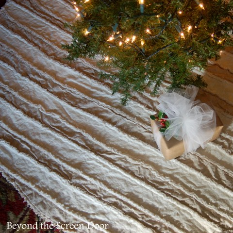 Tutorial: How to Make a Rag Quilt Tree Skirt