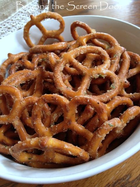 Spicey, Yummy, Can't-Put-em-Down Pretzels