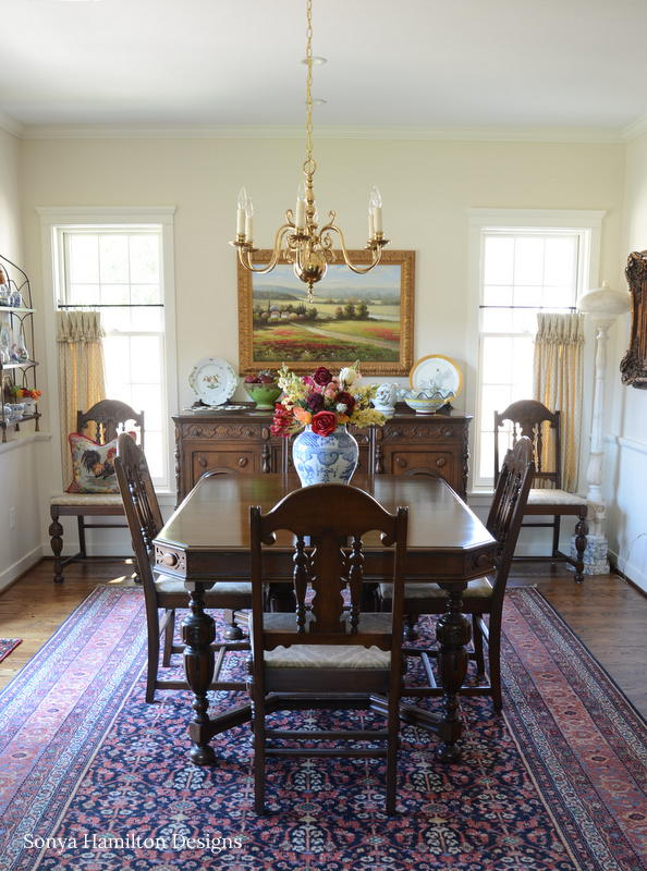 http://sonyahamiltondesigns.com/wp-content/uploads/Traditional-Dining-Room-4.jpg