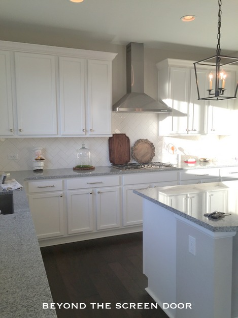 White Kitchen Sw Agreeable Gray Walls
