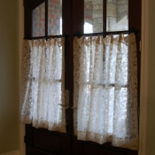 35-Cafe Curtains