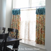 41-Cafe-curtain-with-velvet-cuff