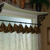 30-Shelf Bracket & Curtains