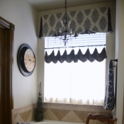 22-Cafe Curtain and Valance