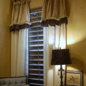 26-master-bedroom-window-treatments
