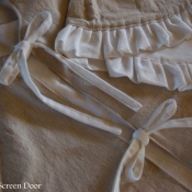 18-Neutral Tree Skirt with White Ruffle
