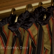 21-black-velvet-ruffled-header