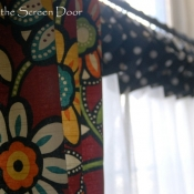 18-Red Floral Panles with Black Dot Cuffed Cafe Curtains