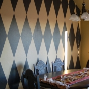 20A-How to Paint a Harlequin Diamond Wall