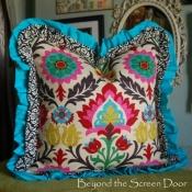 15C-beyond-the-screen-door-pillow