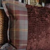 27E-Flanged Pillow.JPG
