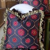 15E-Double Ruffled Pillow