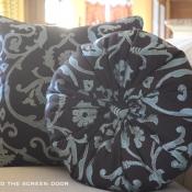 16F-Round Pillow