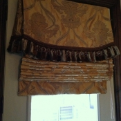 17-Roman Shade with Valance