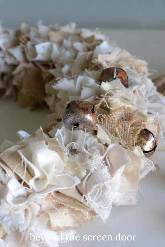adding-jingle-bells-to-a-shaggy-fabric-wreath-4