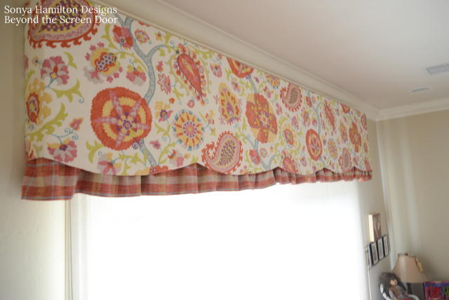 board-mounted-scalloped-valance-3